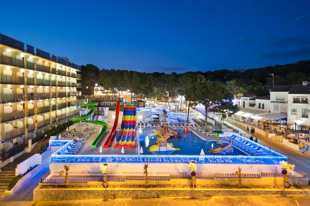 Hoteles temáticos con toboganes en Salou